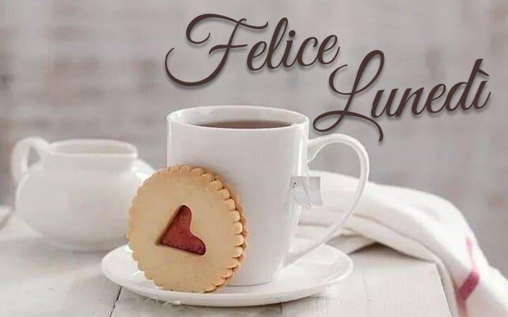 Felice lunedì con caffè