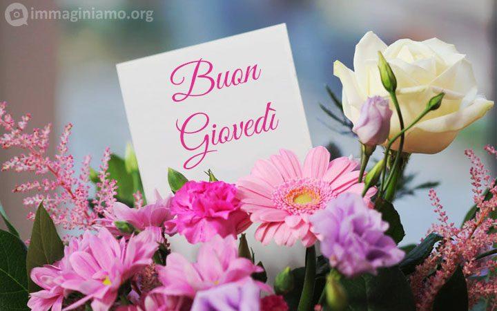 Biglietti Buon giovedì con fiori